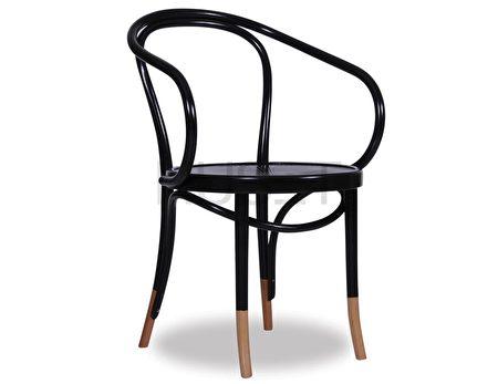 Michael Thonet设计的曲木椅风靡欧洲。(Huset提供)