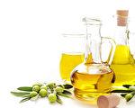 西班牙一项研究发现,食用橄榄油有助于降低罹患心血管疾病的风险。(Fotolia)
