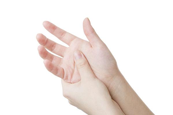 俄罗斯的研究发现,食指和无名指的长度比例可以预测财务状况。(Fotolia)