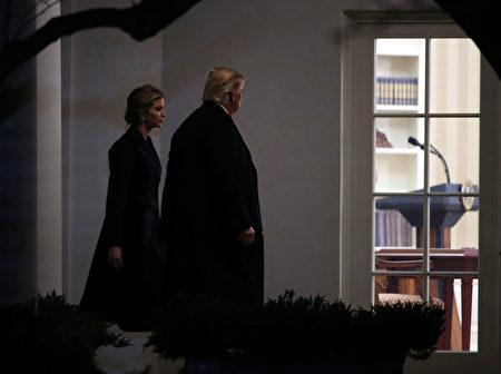 伊万卡和川普一起参加蒂勒森就任国务卿的仪式。(Photo by Mark Wilson/Getty Images)