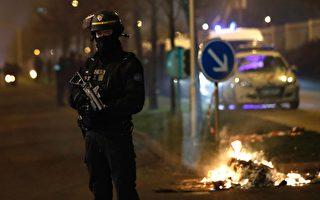 法数千人抗议警察羞辱非裔 暴徒烧车抢劫