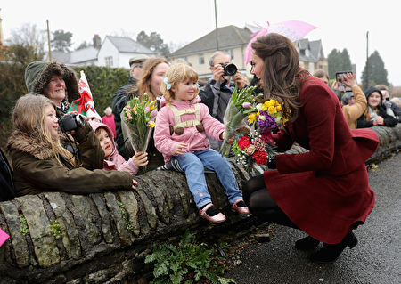 CAERPHILLY, WALES - FEBRUARY 22: Catherine, Duchess of Cambridge meets members of the public after visiting Caerphilly Family Intervention Team (FIT) to learn about their work with children with emotional and behavioural difficulties, problems with family relationships and those who have or who are likely to self-harm on February 22, 2017 in Caerphilly, United Kingdom. (Photo by Chris Jackson - WPA Pool/Getty Images)