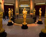 第89届奥斯卡颁奖典礼筹备现场的金人塑像(ANDREW CABALLERO-REYNOLDS/AFP/Getty Images)