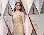 艾玛‧斯通(Emma Stone)凭借《爱乐之城》入围影后。(VALERIE MACON/AFP/Getty Images)