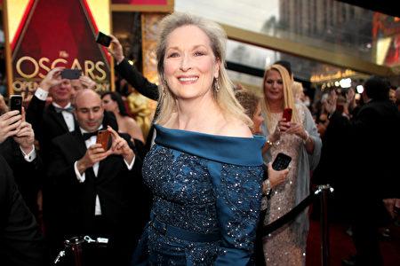 凭借《跑调天后》(Florence Foster Jenkins)角逐影后的梅丽尔‧斯特里普(Meryl Streep)。(Christopher Polk/Getty Images)