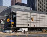 位于市中心的多伦多最著名的四季剧院。(大纪元资料库)
