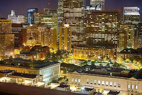 美国费城夜景。(维基百科)