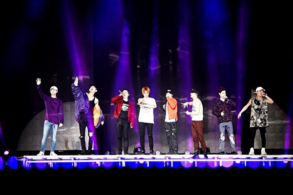 韓國男團EXO在大馬吉隆坡舉行「EXO PLANET #3 - The EXO'rDIUM」演唱會。 (圖/星藝娛樂提供)
