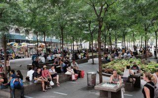 遊客們行走在紐約街頭,會發現公共廁所少得可憐,幾乎可忽略不計。 (大紀元資料庫)