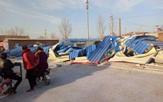 河南省滑縣城關鎮劉店村菜市場於3月2日被暴力強拆,有十餘人當場被抓,數名村民被打傷。(受訪者提供)
