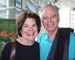 Claudette和Jim Hamerski夫婦觀看了神韻國際藝術團3月22日下午在梅沙市池田劇院的第二場演出。(于麗麗/大紀元)