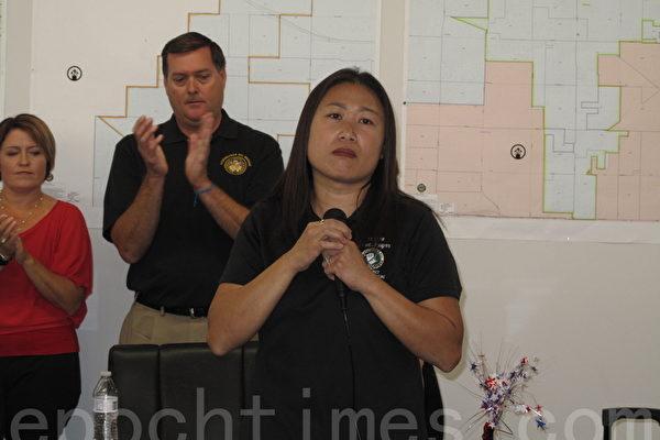 8月6日,富乐屯州众议员金映玉(Young Kim)在橙县普安那公园(Buena Park)市的竞选办公室开张,支持者到场祝贺。(刘菲/大纪元)