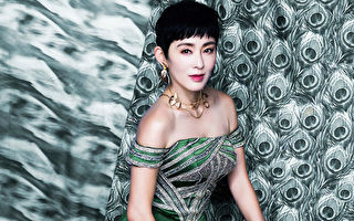 女星張敏最近登上台北知名百貨時尚DM封面。(微風信義提供)