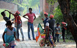去年印度婦女和兒童被販賣數量大幅上漲,比前年上升了約四分之一。。(SANJAY KANOJIA/AFP/Getty Images)