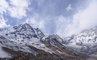 台湾旅客梁圣岳和东华大学女友刘辰君2月下旬赴尼泊尔喜马拉雅山区健行,但因无向导且逢山区大雪,与家人失联19天。此为喜马拉雅山示意图。(图取自Pixabay图库)