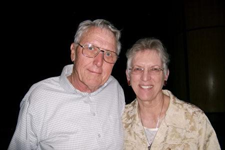 Judie Humphrey祖父母很高兴他们来看神韵了。(于丽丽/大纪元)