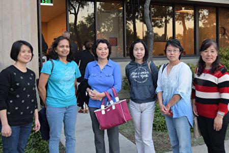 家長希望庫柏蒂諾聯合學區不使用加州新版性教材。(梁博/大紀元)