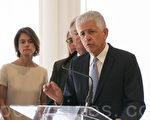 3月29日,律師丹‧佩托埃尼(Dan Petrocelli)宣布,他代表千禧塔屋主,將責任各方告到了舊金山高等法院。(周鳳臨/大紀元)