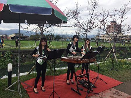 藝境絲竹樂團帶來美麗樂音。(羅東鎮公所提供)