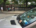 法拉盛停車罰單量高居全市第三。 (林丹/大紀元)