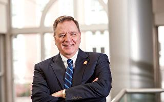 昆西学院(Quincy College)校长沙法拉斯(Peter H. Tsaffaras)先生。(昆西学院提供)
