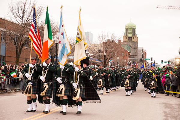 2017年3月19日,波士顿圣派翠克游行。(戴兵/大纪元)