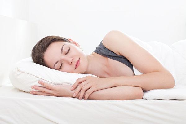 成年人每晚应保证7至8小时的睡眠时间。(Fotolia)