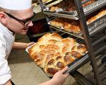 据统计,与2009年相比,现在面包房的数量大约减少了五分之一。 ( Adam Berry/Getty Images)