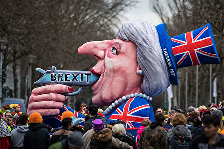 德國人眼中的英國脫歐。可惜,鼻子不太像。(GettyImages)