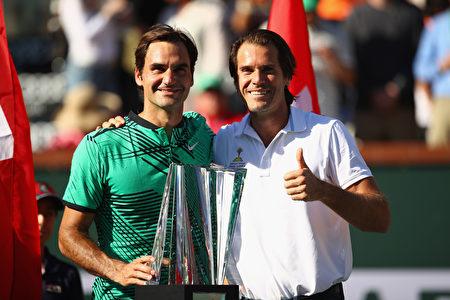 費德勒(左)。(Photo by Clive Brunskill/Getty Images)
