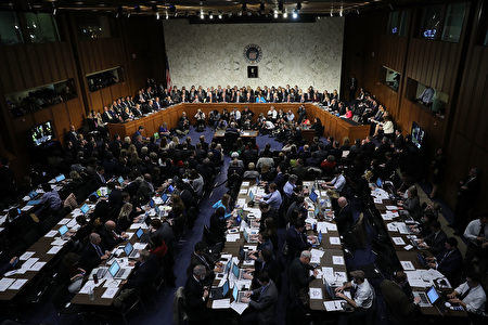 听证会预计将会持续3至4天。周二的听证将会集中在参议员对戈萨奇提出问题,第三天将会包括来自外部证人的证词。 (Photo by Chip Somodevilla/Getty Images)