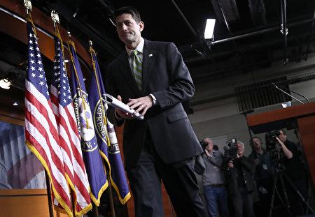 因票數不足,美國眾議院共和黨人在週五(3月24日)全院表決的最後關頭決定撤回廢除奧巴馬健保法案的美國健保法案(AHCA)。(Photo by Win McNamee/Getty Images)