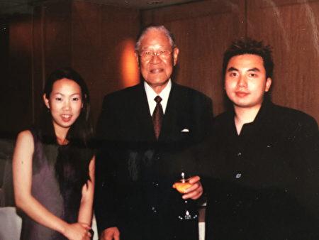 """图:Ken Lin和Angel Jung在""""李登辉之友""""晚会的演奏非常成功,也受到具有音乐品位的李登辉先生欣赏。(图片由Ken Lin提供)"""