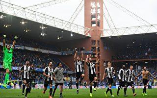 尤文图斯客场1-0小胜桑普多利亚,领先排名第二的罗马8分,领跑积分榜。 (MIGUEL MEDINA/AFP/Getty Images)