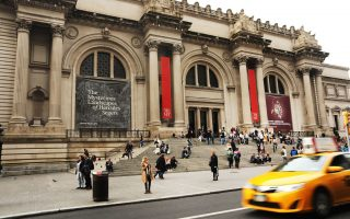 上周五傍晚6点多,大都会博物馆内发生一起参观者打人事件。 (Spencer Platt/Getty Images)