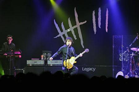 """""""今夜伍佰8""""巡回演唱会现场。(环球唱片提供)"""