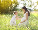 父母能给孩子最珍贵的礼物是给他爱,也给他规范,然后,在这个过程中,亲子一起成长!(fotolia)