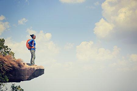在步道上的这段日子,没有把时间都花在思索生命的悲伤、不幸与失败,又有什么关系呢? (shutterstock)