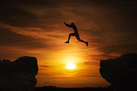 唯独你能独自面对自己的时候,才有办法真正看到力量的展现。(fotolia)