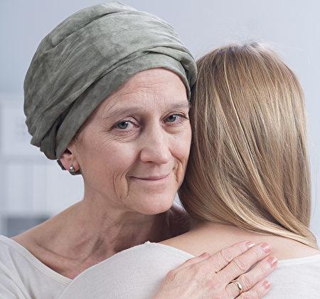 她參加臨床試驗,是爲了讓女兒或孫女如若不幸罹癌,能獲得更好的治療方法。(Shutterstock)