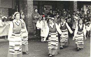 曾錚初中時在學校跳舞的照片(作者提供)