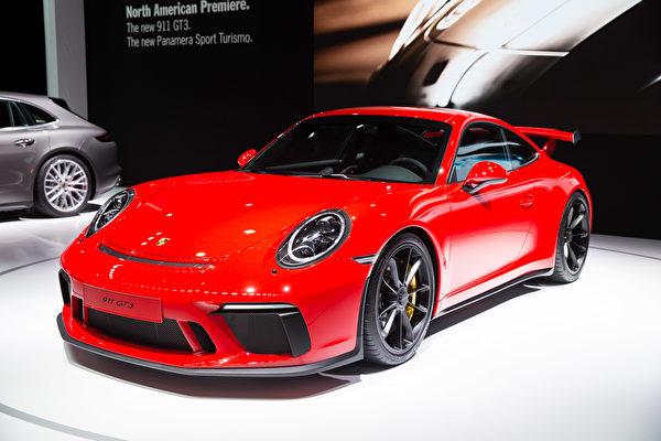 保時捷911 GT3 在2017年4月12日的紐約國際車展首發。(戴兵/大紀元)