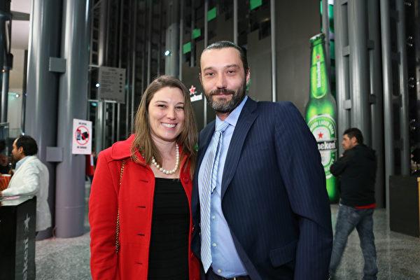 Esteban Artasanchez先生是一位投资专家,拥有自己的企业。他和研究芭蕾舞的妻子Anne Lure Maudire于3月31日晚一同观看了神韵演出。(李莎/大纪元)