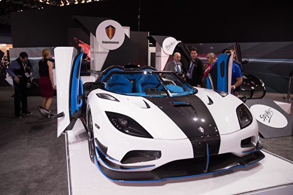 纽约国际车展,倩丽名车抢先看Koenigsegg。(戴兵/大纪元)