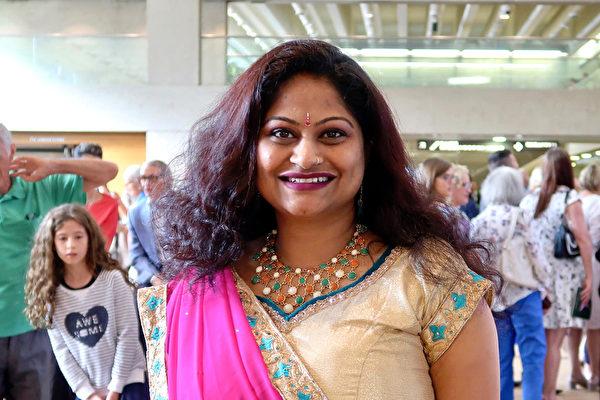 澳洲昆士兰印度社区副主席(Vice President of Indian Communities Queensland)Prakruthi Gururha女士观看了神韵在布里斯本的第三场演出,表示自己被神韵高超的艺术造诣所折服。(新唐人)