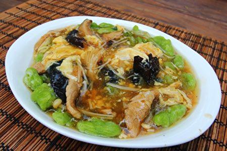 胡松枝料理的大卤面。(卢桂莲/大纪元)