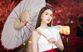 昆凌表拍摄滴鸡精广告照,现场打造东方风婚礼场景。(农纯乡提供)
