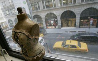 在受到亞洲製衣業的衝擊之後,曼哈頓的時裝區面臨新的調整:區劃調整。 (STAN HONDA/AFP/Getty Images)