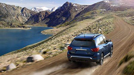 Pathfinder乘驾感细腻顺滑,性价比高,在同级别的价格中,比竞争车型有更多的配置。(Nissan提供) 。