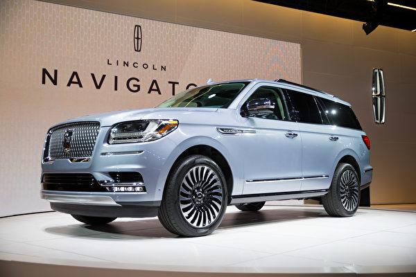 纽约国际车展新车发表2018 Lincoln Navigator。(戴兵/大纪元)